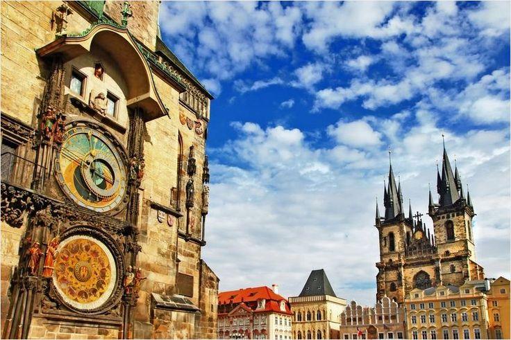 Unvergessliche Tage in der Moldaumetropole #Prag! Übernachten könnt ihr in der goldenen Stadt im 4-Sterne Dorint #Hotel Prag Don Giovanni für nur 44 Euro für 2 Personen inklusive Frühstück. Genießt von der Prager Burg einen herrlichen Ausblick auf die Stadt.