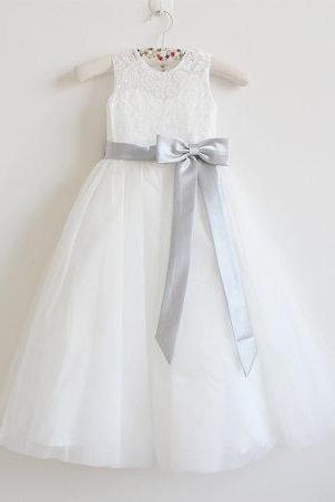 Light Ivory Flower Girl Dress Silver Baby Girls Dress Lace Tulle Flower Girl Dress With Silver Sash/Bows Sleeveless Floor-length D5