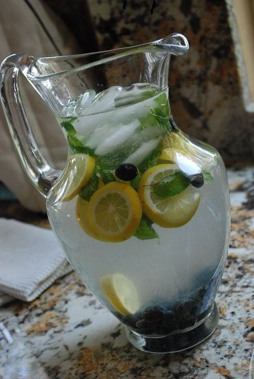 Checkout this healthy Blueberry Mint Lemonade Recipe at LaaLoosh.com! Fresh and light, and 0 Points + per serving. A great healthy drink recipe to pair with a low calorie lunch.
