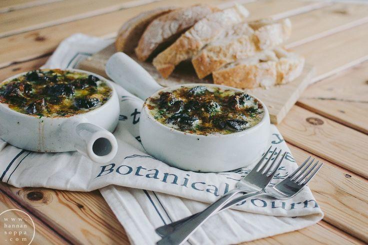 Sinihomejuusto-valkosipulietanat / Hannan soppa