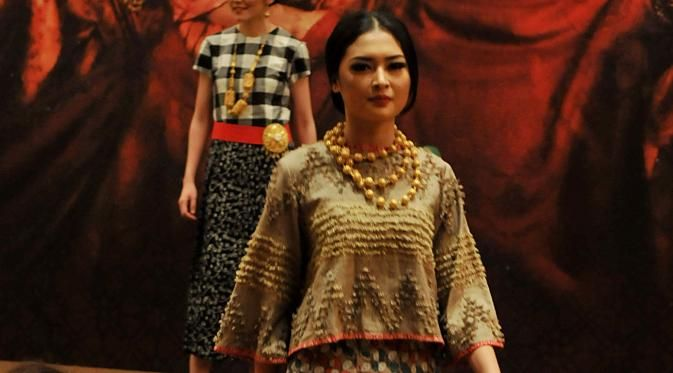 Folk 'N Vogue akan hadir dengan peragaan dan pameran busana modern yang mengangkat unsur etnik budaya Indonesia, 7-11 September 2016
