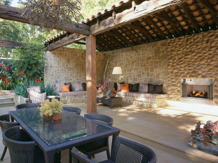 Eco Outdoor Clancy random ashlar walling used in large courtyard.