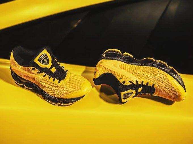 2d9bfa526ca5a5 Lamborghini and Mizuno Unveil New Colorways for Collaborative Shoe Line |  Men's Fashion | Mizuno shoes, Sneakers nike y Shoes