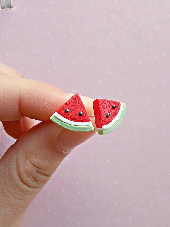 Watermelon earrings created from polymer clay without using molds. The lenght of each earring is 1.2 cm. ❀ Because i make everything by hand, the item you receive may differ slightly than shown on the pictures. ❀ Price is for one pair of earrings. ❀ I ship the orders in cute boxes