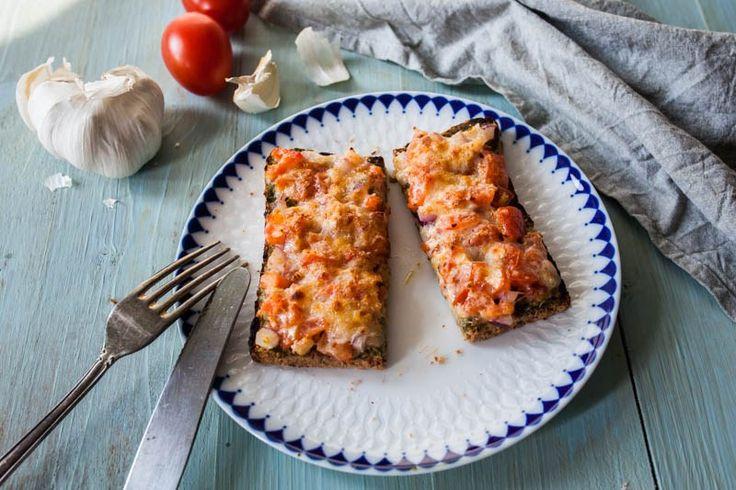 Tomaten-Bruschetta mit Parmesankruste aus dem Steakreaktor