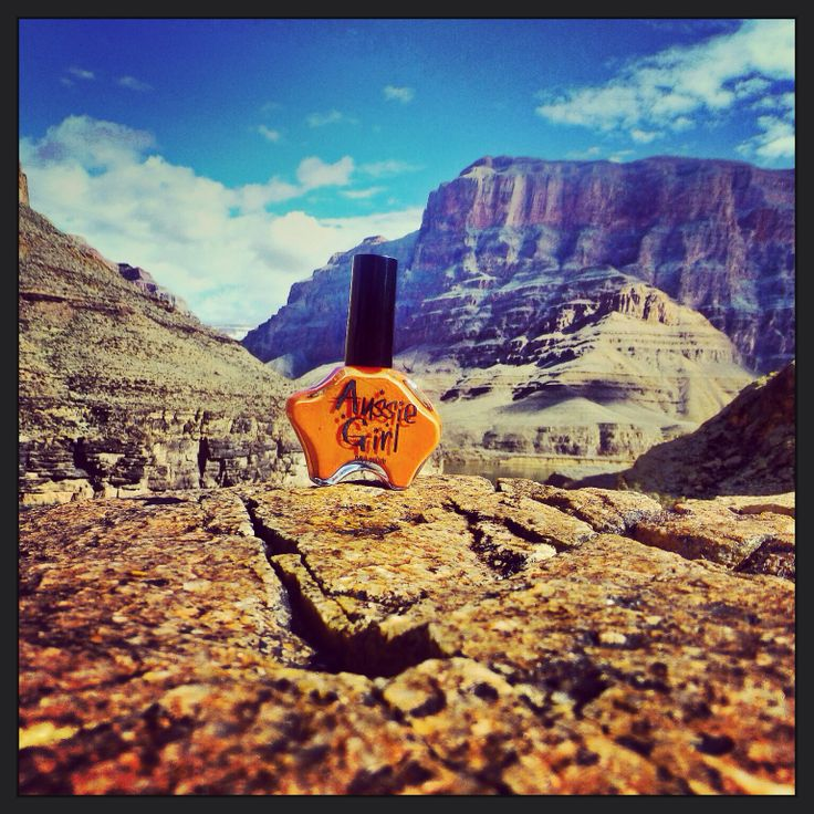 Aussie girls very own #hotayersrock taking on the mighty grand canyon! #epic phone #grandcanyon @aussiegirlcosmetics