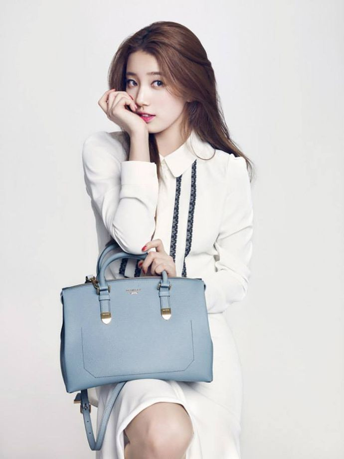 "Suzy Helps Design with ""Beanpole Accessories"" for ""Suzy Bag"" 