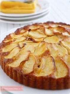 Bizcocho de manzana:::3 huevos,,1 yogurt natural .. 1 vaso de aceite . .2 vaso azucar,, 3 vaso harina leu ralladura de limon vainillin 2 manzanas en rodajas ,,,BATIR LOS HUEVOS AGREGAR YOGURT ACEITE Y ULTIMO HARINA CUbrir con manzanas y azucar horno 40 min