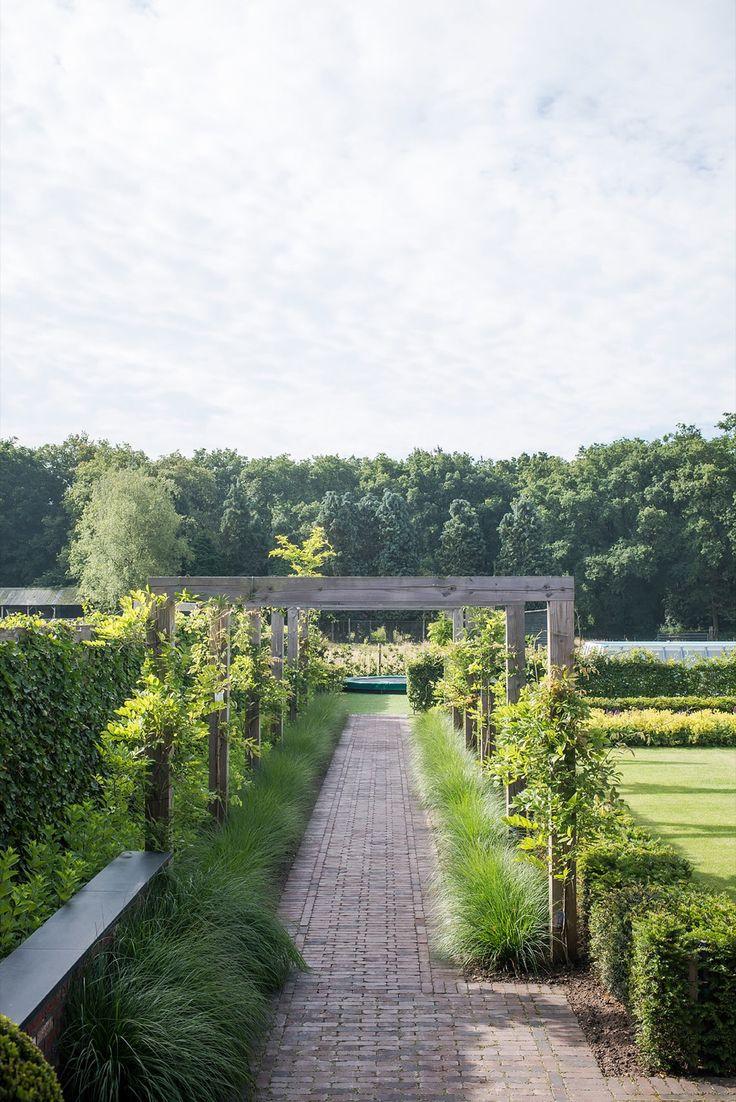 Buytengewoon - Villatuin Uddel - Hoog ■ Exclusieve woon- en tuin inspiratie.