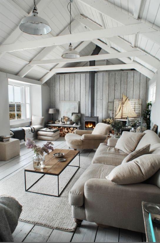 Coastal cottage with modern design elements