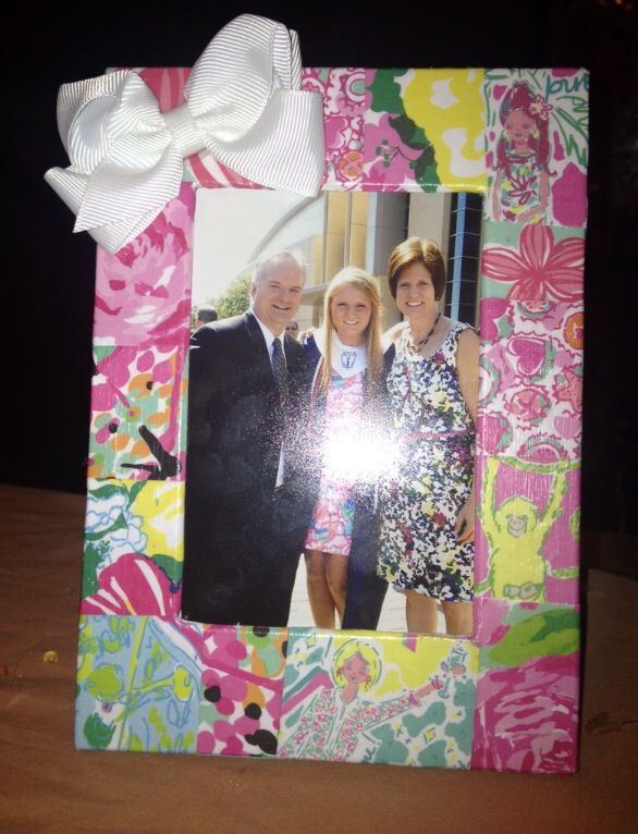 Lilly Pulitzer picture frame - modge podge pages from your old Lilly agendas and planners onto a frame or wooden letters!