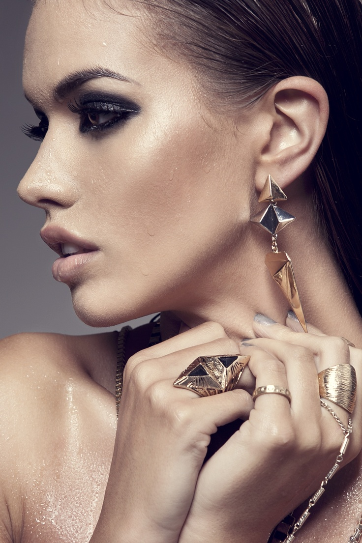 #jewellery  Shot and Originally Pinned by @Tina Doshi T:Two Photography Eisen