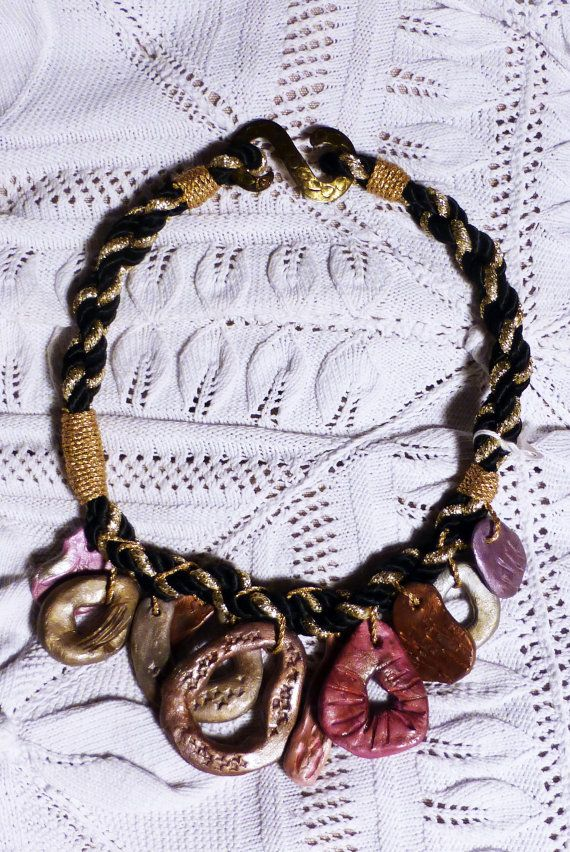collana in ceramica di factoryideas su Etsy
