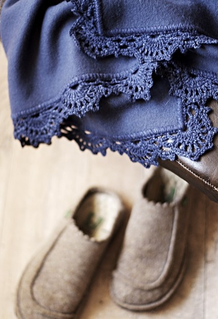 wool blanket with crochet edge