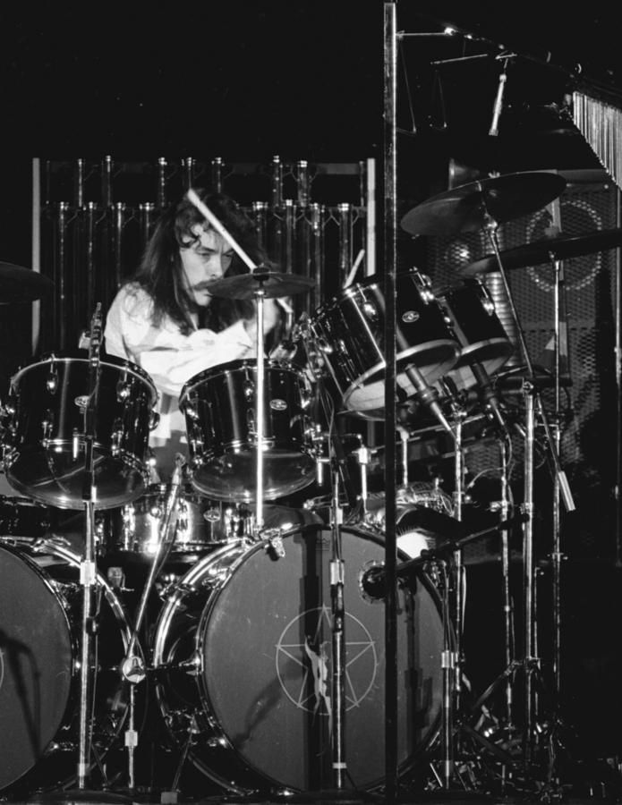 Old School Neil Peart. Classic.