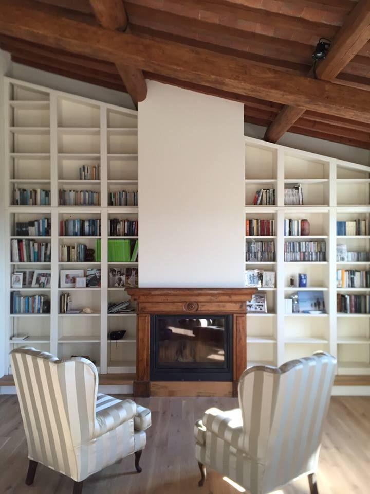 Libreria con porta nascosta
