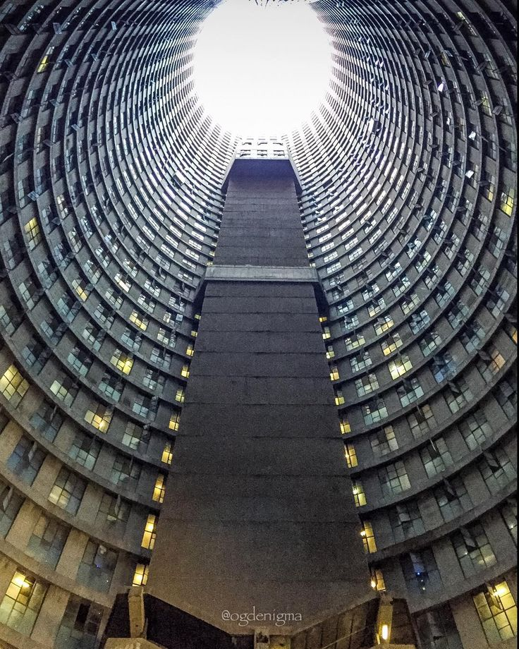 Ponte City apartment tower in Johannesburg, South Africa ...