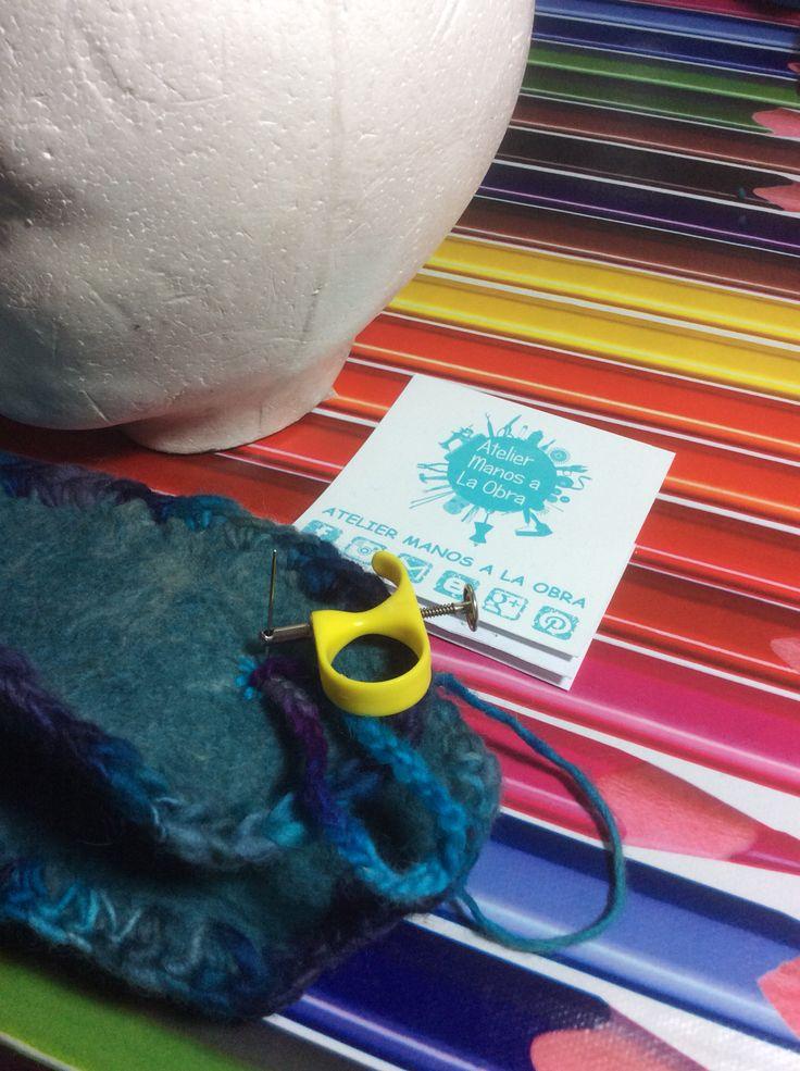 Coser cadeneta de crochet mas botón para cierre