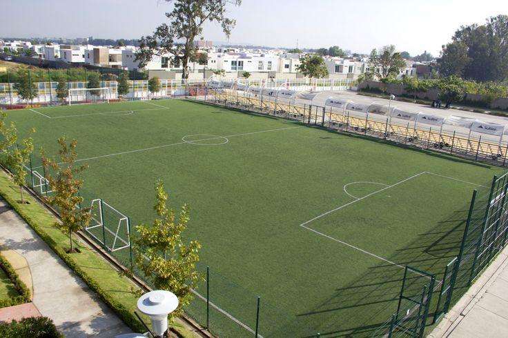 Cancha de fútbol de pasto sintético
