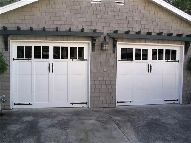 Martin garage doors with Deco-hardware