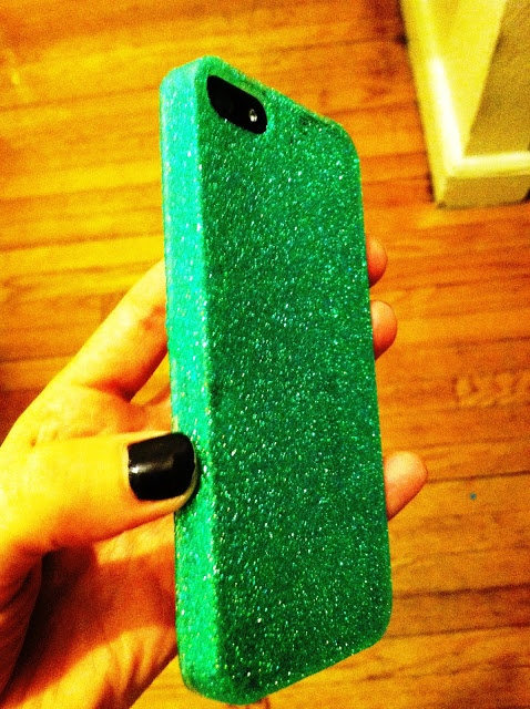 Cupcakes & Couture: DIY Glitter iPhone 5 Case