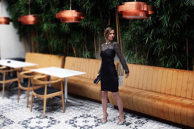 Dana Rogoz se simte mai provocatoare purtand o rochie Moschino cu dantela, pe care o gasesti aici: http://www.dressbox.ro/rochii/moschino-cheap-and-chic-mc01.html