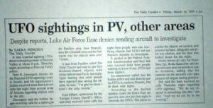 Un martor din Oregon si-a amintit de cazul Luminile Phoenix 1997, cand a vazut cinci lumini care traverseaza cerul intr-o formatie in V pe la 06:30 p.m. pe 20 ianuarie 2015, in conformitate cu marturia in cazul 62776 (MUFON ) baza de date marturii. http://pariem.net/un-martor-din-oregon-vede-un-ozn-care-aminteste-de-luminile-phoenix-din-997