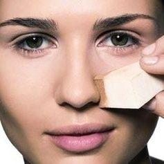 Du willst dein Gesicht schmaler schminken? Eine Expertin verrät, wie es mit nur wenigen Handgriffen funktioniert!