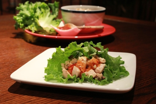 Lettuce Cups with Stir-Fried Chicken | mm mm good | Pinterest