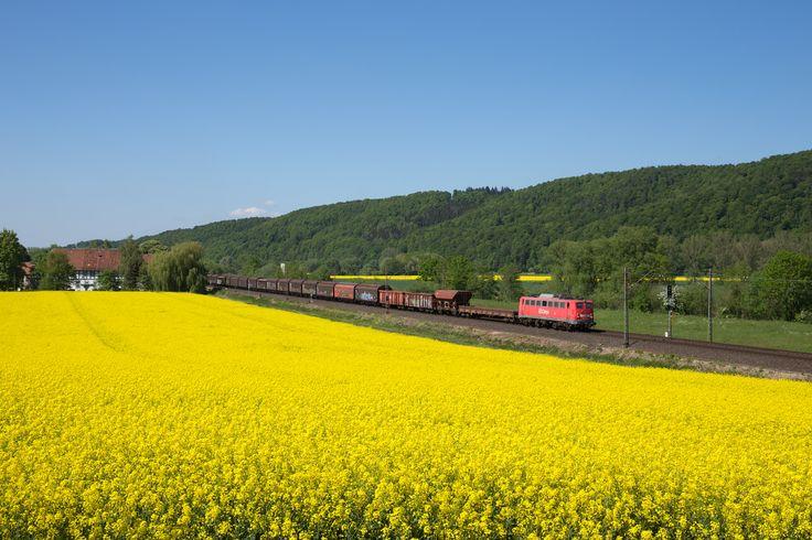 https://flic.kr/p/Q3zBMj | Wispenstein | Rund sieben Wochen vor ihrer Abstellung befuhr 140 354 mit EK 53735 von Hannover-Linden nach Göttingen die Nord-Süd-Strecke nahe Wispenstein.