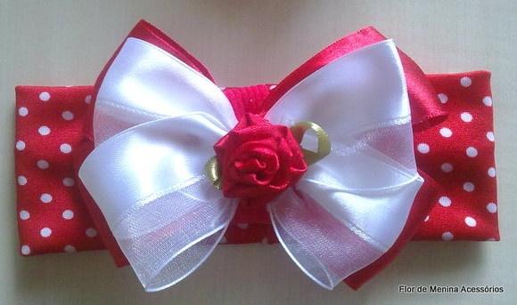 Faixa poás,laço de cetim , , flores de cetim  Necessário passar medida de perímetro cefálico para confecção da faixa, tecido maleável,não machuca, simplesmente linda e fashion! R$15,00