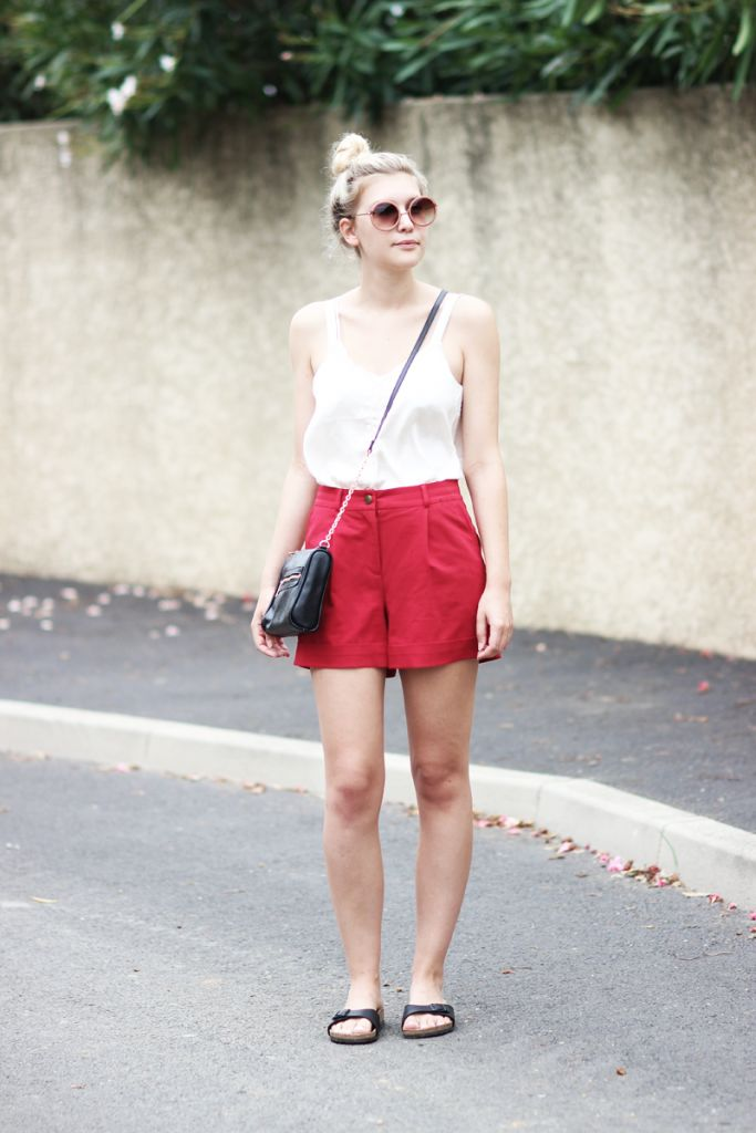 rote-shorts-outfit-kombinieren