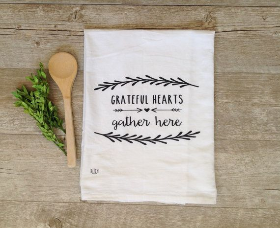 Tea Towel -  Grateful Hearts Gather Here Thanksgiving Home Decor Flour Sack Kitchen Towel Autumn Fall Holiday Farmhouse Decor