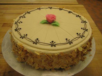 cream genoise genoise cakes cakes desserts sweet things strawberries ...