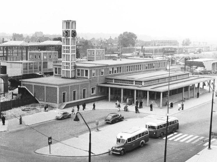 Het station van Leiden in de jaren '50