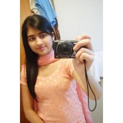 Pakistani Girl Selfshot in Salwar kameez