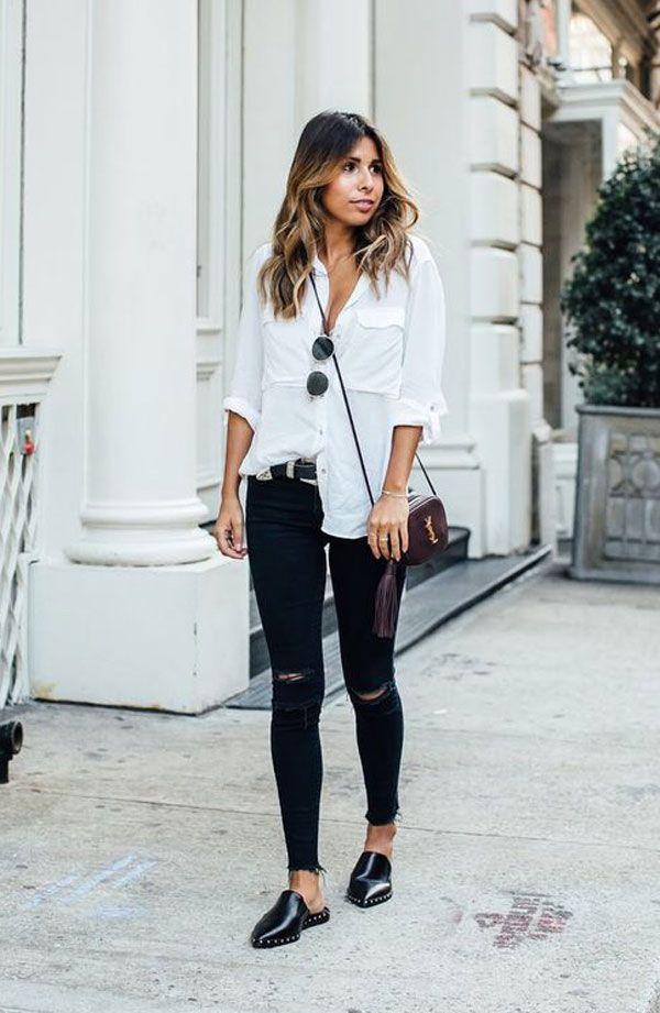 Street style. Calça jeans preta skinny, camisa branca e mule preta.