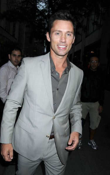 "Jeffrey Donovan - Jeffrey Donovan Leaves ""Late Night with Jimmy Fallon"""