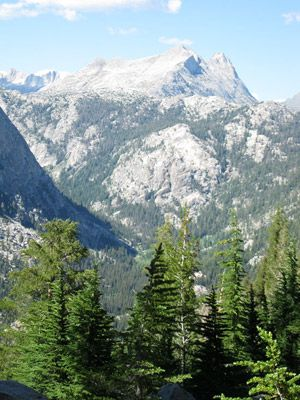 Yosemite National Park: http://www.familycircle.com/family-fun/travel/national-parks/