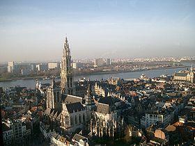 La cathédrale Notre-Dame (en néerlandais Onze-Lieve-Vrouwekathedraal) à Anvers (Antwerpen) en Belgique, dédiée à la Vierge Marie, est la cathédrale du diocèse du même nom. Construite de 1352 à 1521 elle est un des cinq monuments religieux majeurs de la ville d'Anvers (Belgique)