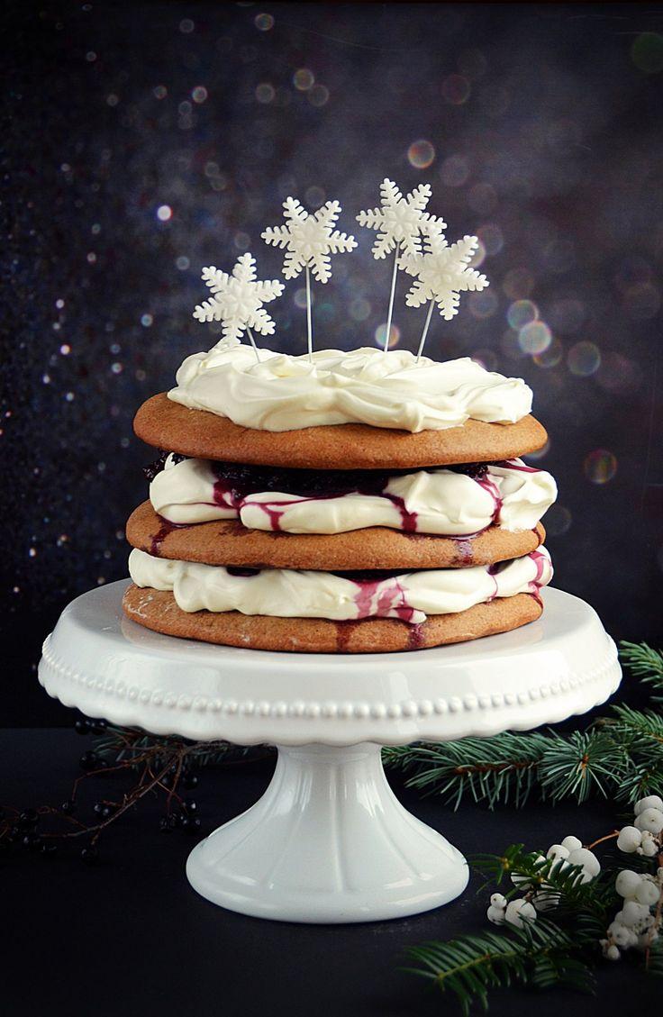 Mézeskalácstorta meggyel és mascarponehabbal - karácsonyi torta  Gingerbread cake with mascarpone for Christmas