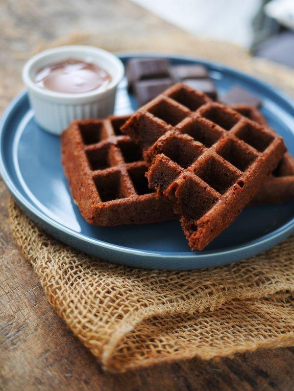 Aujourd'hui je partage avec vous une recette de gaufre au chocolat C'est une recette spéciale pour ceux qui ont des moules gaufre silicone qui passent au four. Je l'ai préparé hier lorsqu'il pleuvait des trombes d'eau et que je ne savais pas quoi faire pour le goûter des enfants. J'ai suivi une recette Tupperware en …