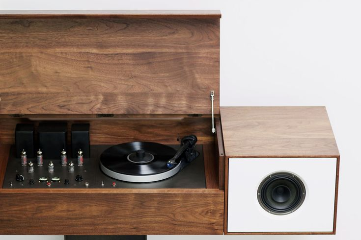 Modern Record Console: Symbols Records, Modern Wooden, Design Ideas, Cars Girls, Records Consoles, Records Players, Modern Records, Symbols Audio, Girls Style
