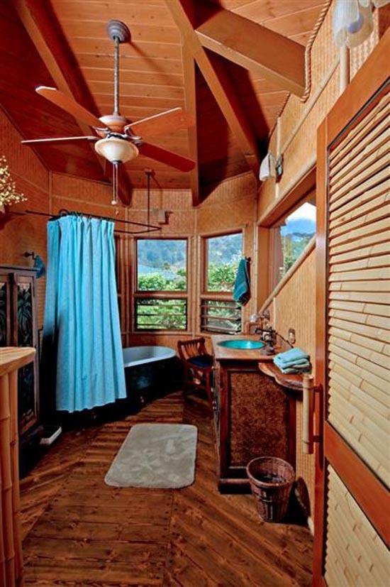 Genuine Hobbit House Bath in the Pukalani Falls Garden
