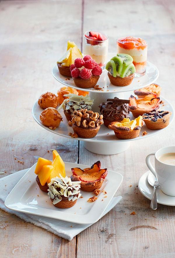 Kies drie van deze heerlijke mini #gebakjes voor bij een kop #koffie, #cappuccino of #biologische #thee. #high tea. Welke lijkt jou het lekkerst?