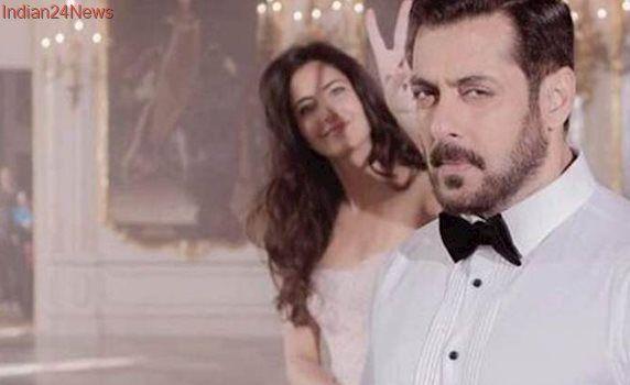 Tiger Zinda Hai: Katrina Kaif photobombs Salman Khan in this adorable photo