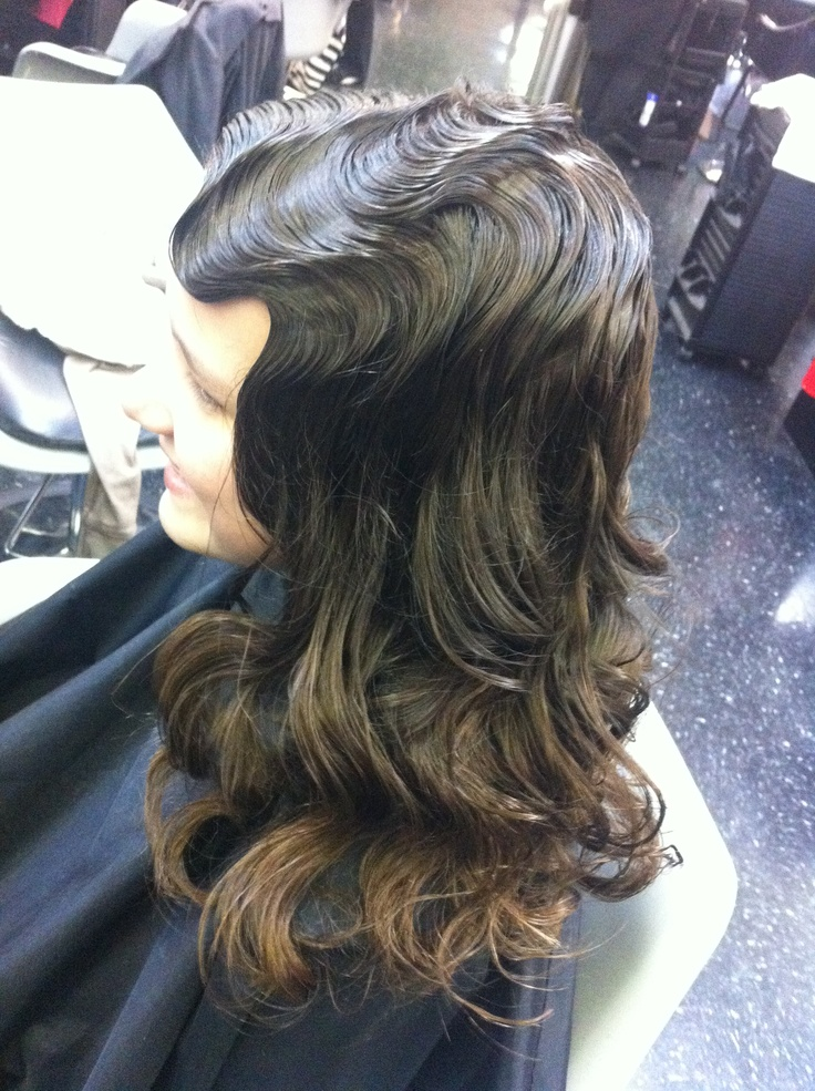 Finger Waves and Pin Curls Hairstyle