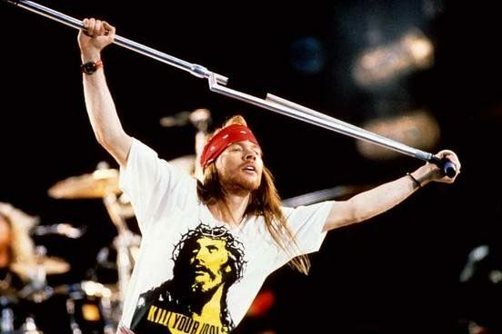 Axl as the king of rock <3