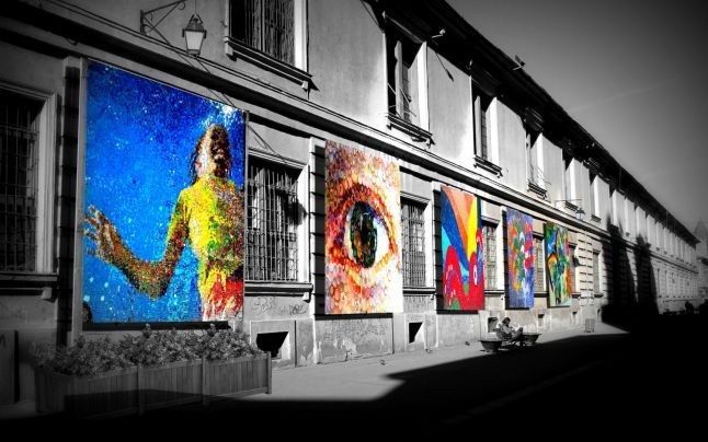 FOTO Artă urbană inedită la Timişoara: tablouri din capace de plastic pe strada pietonală Mărăşeşti