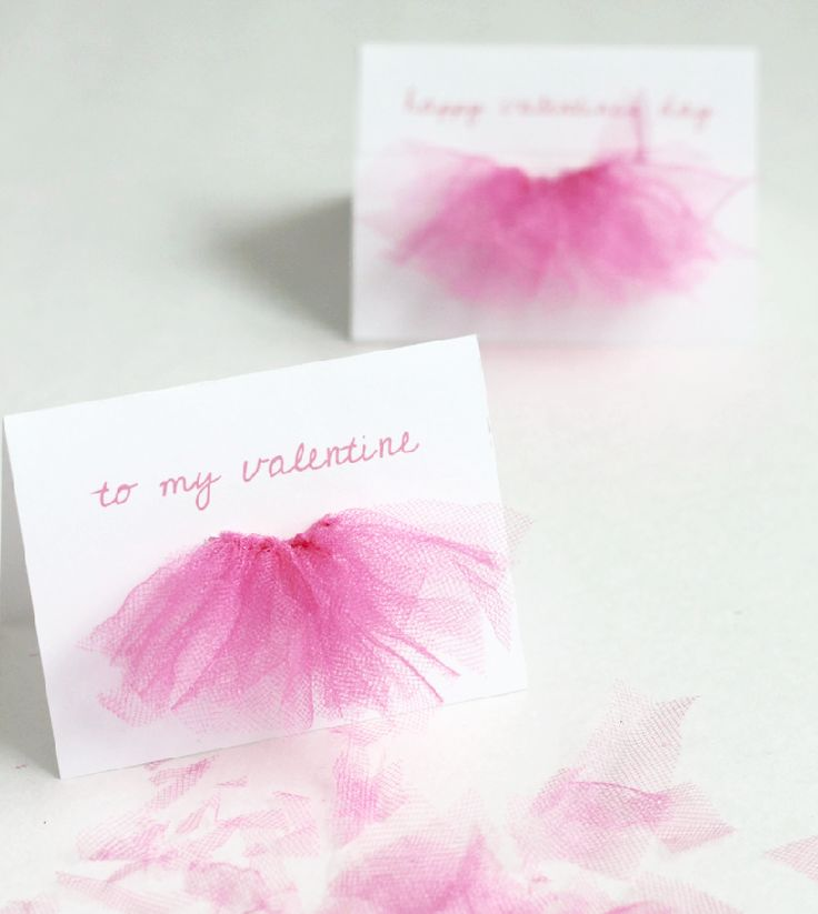 Make these adorable ballerina-inspired tutu valentines for the tiny dancers in your life! #DIY #Valentines | crab+fish